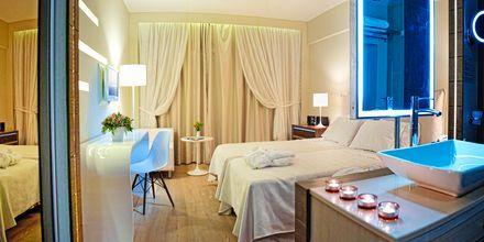 Dobbeltværelse på Hotel Aegean Pearl på Kreta, Grækenland.