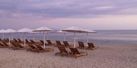Stranden ved SESA Boutique Hotel i Kanali, Grækenland