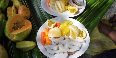 På din ferie i Seychellerne må du bare smage den friske eksotiske frugt, som vokser naturligt her.
