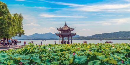 Hangzhou udenfor Shanghai kan beskrives som en af verdens smukkeste byer.