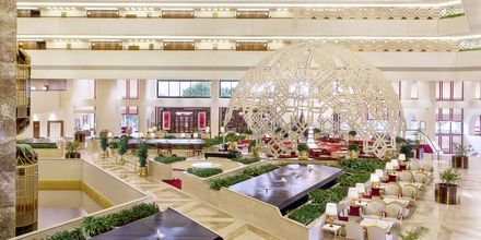 Lobby på Sheraton Grand Doha Resort i Doha, Qatar.