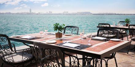Udsigt fra restaurant La Veranda på Sheraton Grand Doha Resort i Doha, Qatar.
