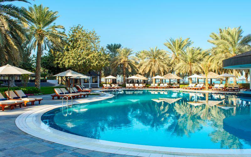 Poolområde på Sheraton Jumeirah Beach Resort i Dubai, De Forenede Arabiske Emirater.