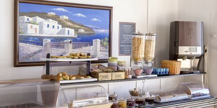 Morgenmadsbuffet på Hotel Sigalas på Santorini, Grækenland.