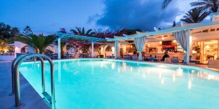 Pool på Hotel Sigalas på Santorini, Grækenland.