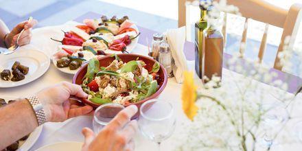 Nyd lækker mad på din ferie til Sitia.