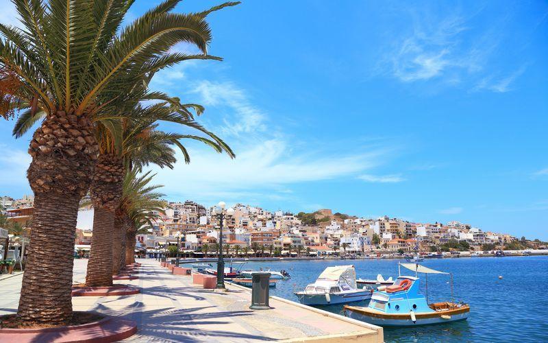 Havnepromenaden i Sitia på Kreta, Grækenland.