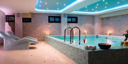 Indendørs pool på Sivota Diamond, Grækenland.