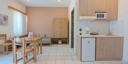 2-værelses lejligheder på Hotel Sonio Beach i Platanias på Kreta, Grækenland.
