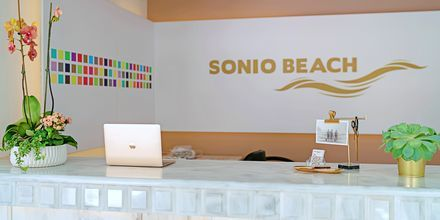 Reception på Hotel Sonio Beach i Platanias på Kreta, Grækenland.