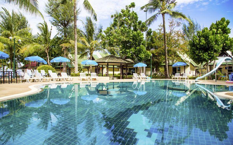 Poolområde på Hotel Southern Lanta Resort, Thailand.