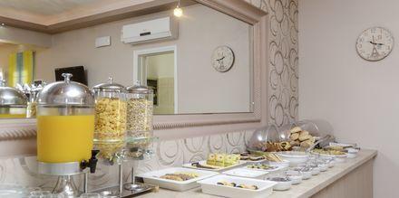 Morgenmad på Hotel Spiros i Naxos by, Grækenland