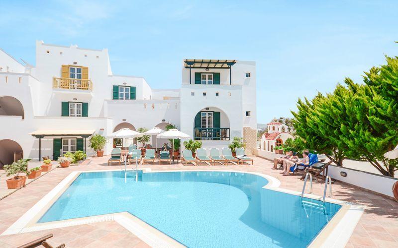 Poolområde på Hotel Spiros i Naxos by, Grækenland