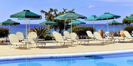 Poolområde på Hotel St. James på Rhodos, Grækenland