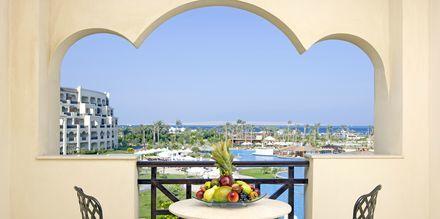Deluxe-værelse på Steigenberger Al Dau Beach i Hurghada, Egypten.