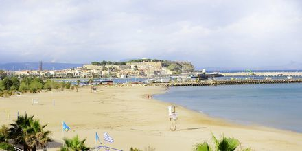 Stranden ved Hotel Steris i Rethymnon by på Kreta, Grækenland.