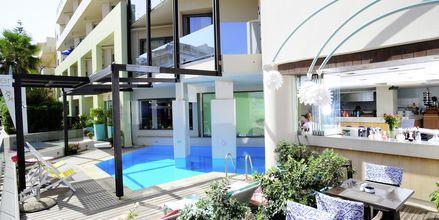 Den lille pool på Hotel Steris i Rethymnon by på Kreta, Grækenland.