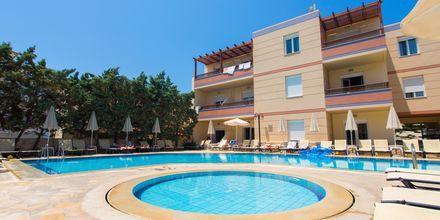 Poolområde på Hotel Summer Dream på Kreta, Grækenland.