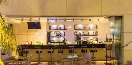 Bar på hotel Summertime i Platanias, Kreta