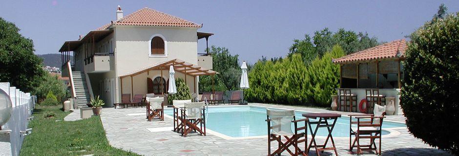 Poolområdet på Sun Hotel på Skopelos, Grækenland.
