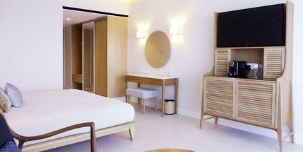 Deluxe-værelse på hotel Sunrise Jade i Fig Tree Bay, Cypern