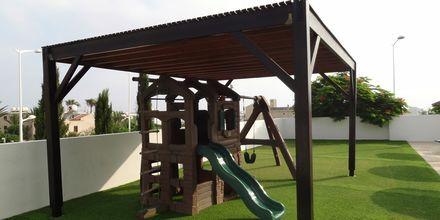 Legeplads på Hotel Sunrise Oasis i Fig Tree Bay, Cypern