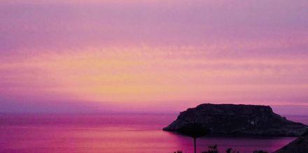 Solnedgang ved Hotel Sunset i Lefkos på Karpathos, Grækenland.