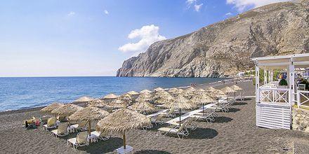 Stranden ved Hotel Sunshine i Kamari på Santorini