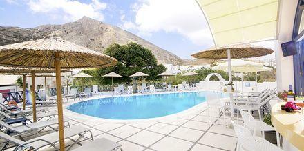 Poolområde på Hotel Sunshine i Kamari på Santorini