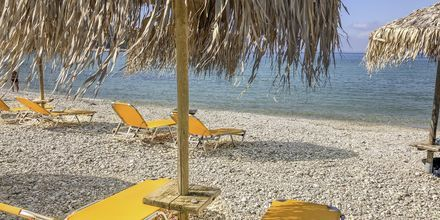 Stranden nedenfor Hotel Sunwaves i Vassiliki på Lefkas.