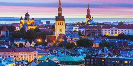 Tallinn, Estland om aftenen.