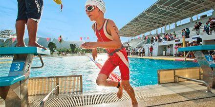 Svømmelektioner på Thanyapura Sport & Health Resort på Phuket i Thailand.