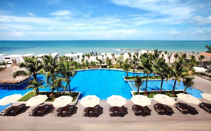 Poolen på Hotel The Cliff Resort i Vietnam.