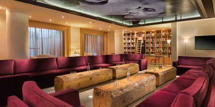 The Veranda Lounge Bar på The Island på Kreta, Grækenland.