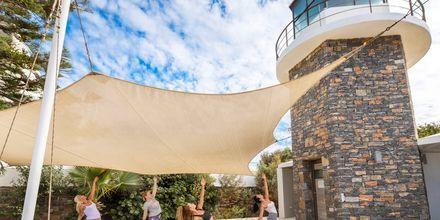 Yogalektion på The Island på Kreta, Grækenland.