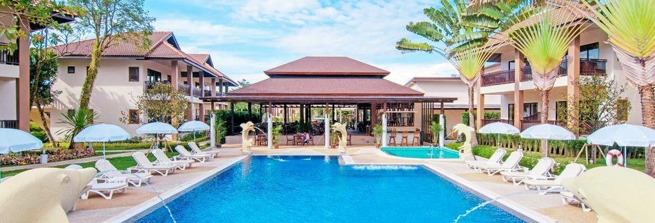 Poolen på hotel The Leaf Oceanside i Khao Lak i Thailand