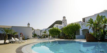 Poolområde på Hotel The Volcan Lanzarote i Playa Blanca