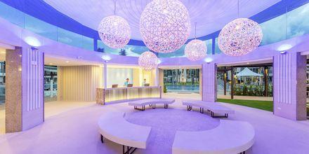 Reception på Hotel The Waters Khao Lak by Katathani i Thailand.