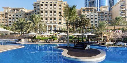 Poolområde på The Westin Dubai Mina Seyahi i Dubai