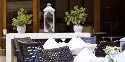Restaurant på hotel Theartemis Palace på Kreta, Grækenland.