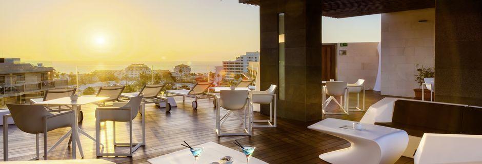 Tagbaren på Hotel Tigotan Lovers & Friends Playa de las Americas på Tenerife.