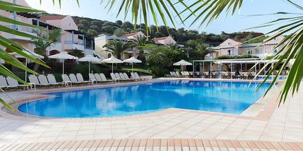 Poolområde på Hotel Triton på Kreta, Grækenland.