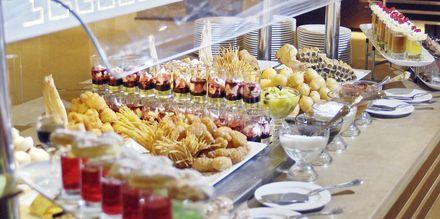 Buffet på Hotel Tropitel i Sahl Hasheesh, Egypten
