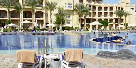 Poolområde på Hotel Tropitel i Sahl Hasheesh, Egypten