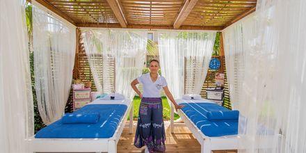 Massage på Tsilivi Beach på Zakynthos, Grækenland.