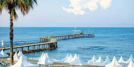 Stranden ved hotel Turquoise Resort Hotel & Spa i Side, Tyrkiet.