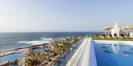 Poolområde på Hotel Valle Mar på Tenerife, De Kanariske Øer, Spanien.
