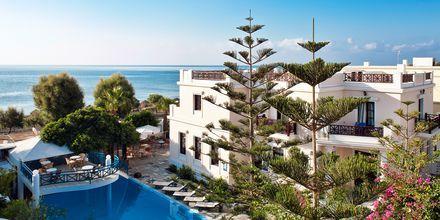 Poolen på hotel Veggera på Santorini.
