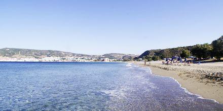 Stranden ved Hotel Venezia i Karpathos by, Grækenland.