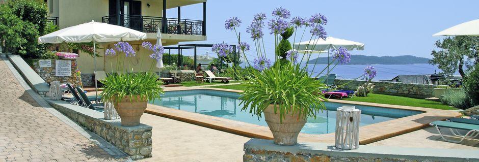 Poolområde på Villa Anastasia, Skiathos.